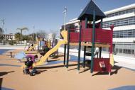 fotos de niños jugando en un parque